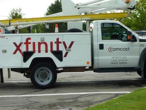 comcast-truck-cmcsa-cmcsk_large