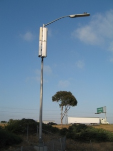 light-pole-on-i-805-in-san-diego2